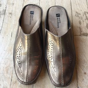 White Mountain leather mules slip ons size 6